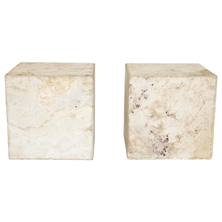 Travertine Marble Cube Side Table or Coffee Table In New Condition For Sale In Chicago, IL