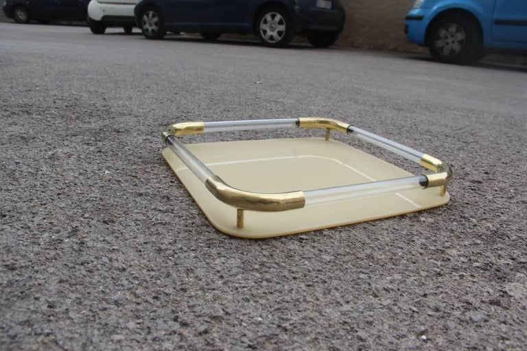Tray in brass resin and plexiglass 1970s, Italian design, elegance, class and simplicity are the protagonists.