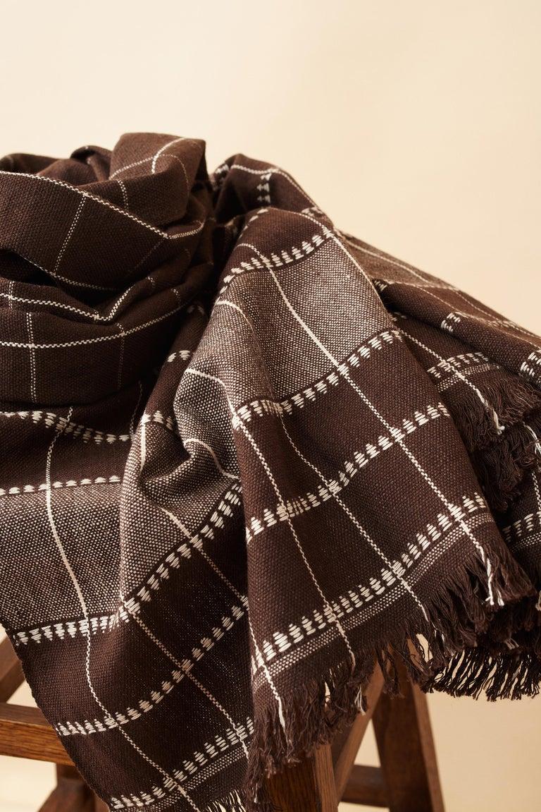 Treacle Brown Handloom Throw / Blanket In Organic Cotton For Sale 5