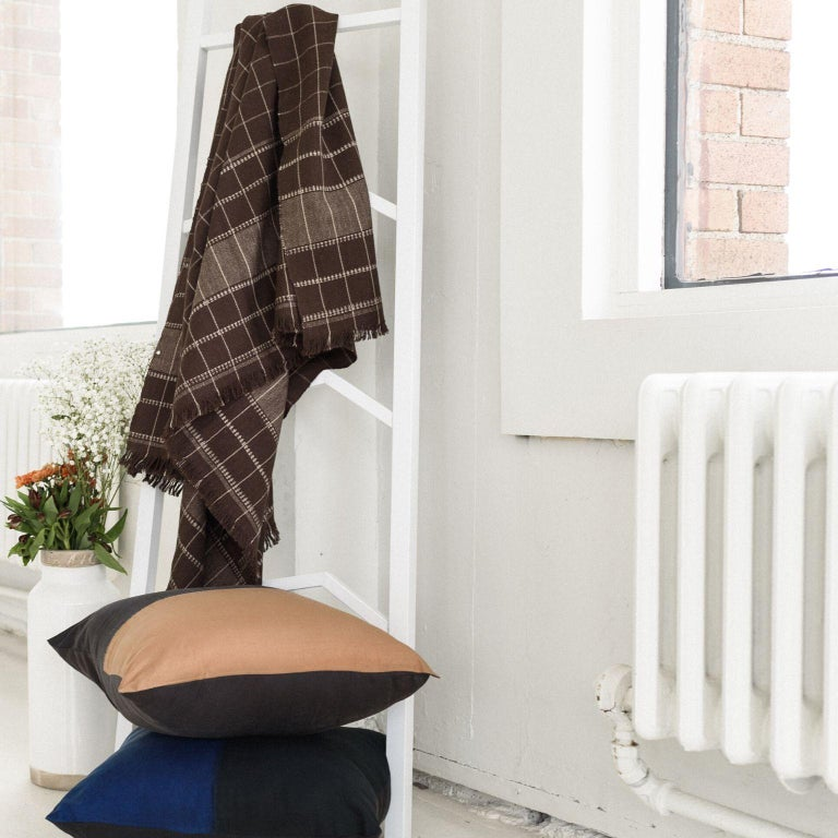 Contemporary Treacle Handloom Throw / Blanket in Organic Cotton For Sale