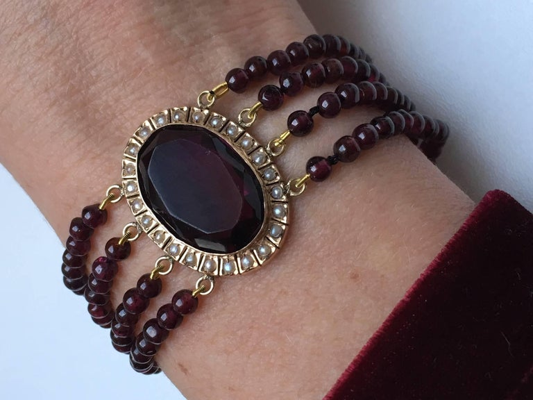 Women's Treasurehuntworld Antique Pink Gold Bracelet Pearls Four Strand Garnet For Sale