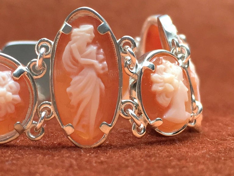 Silver bracelet set with hand carved cameo made by hand. These cameos are originated from Torre del Greco Italia. These shell cameo's where stored in safes for more than 40 years. TreasureHuntWorld is specialized in creating new jewelry with old