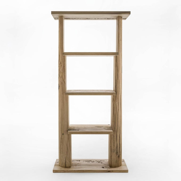 Shelf tree shape medium with structure In solid raw oak in bricolle finish, with 3 shelves. Also available in shelf tree shape small. Available in: L 80 x D 30 x H 166.4cm. Price 7500,00€ L 80 x D 30 x H 85.2cm. Price 5900,00€.