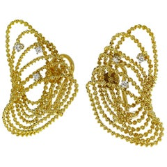 Tres Belle Diamonds 18 Karat Yellow Gold Design Studs Earring