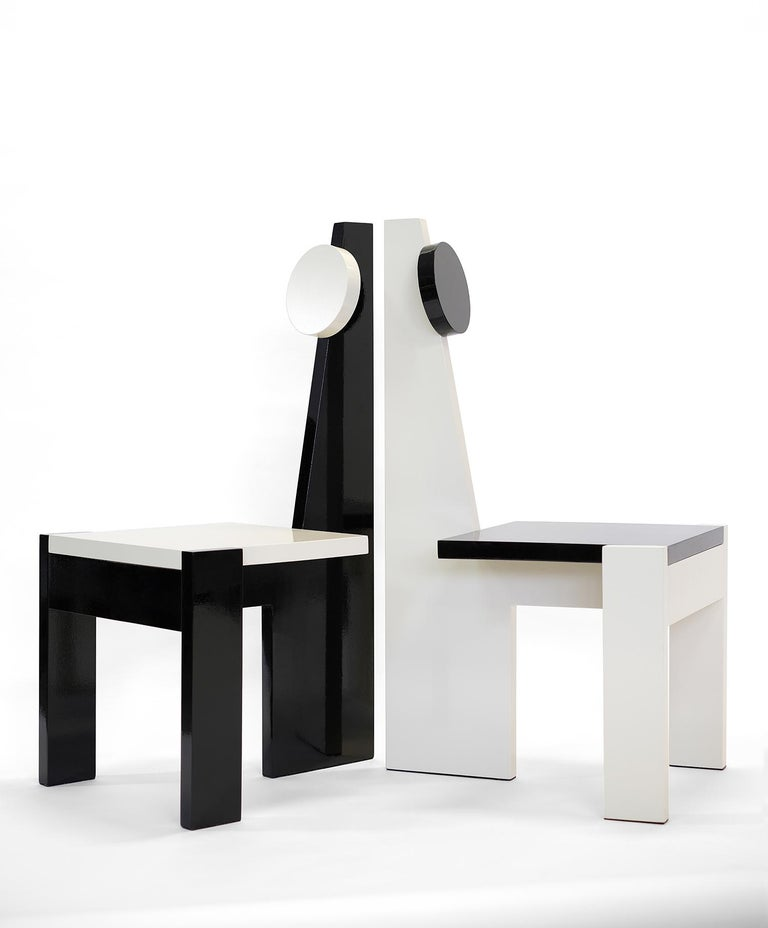 French architect-turned-furniture designer Frédéric Pellenq's new Très Nouvelle collection features a combination of geometric shapes that give birth to a highly sculptural chair. The design has been studied with precision in order to generate a