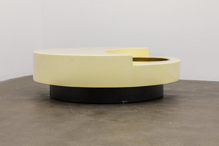 Modern 'TRG' Rotating Cocktail Table by Willy Rizzo, circa 1970 Italy, Signed  For Sale