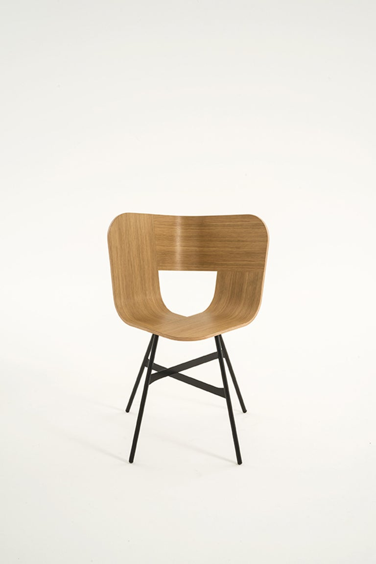 Oak Tria Chair, Black Shell, Golden Legs, Minimalist Design Icon For Sale