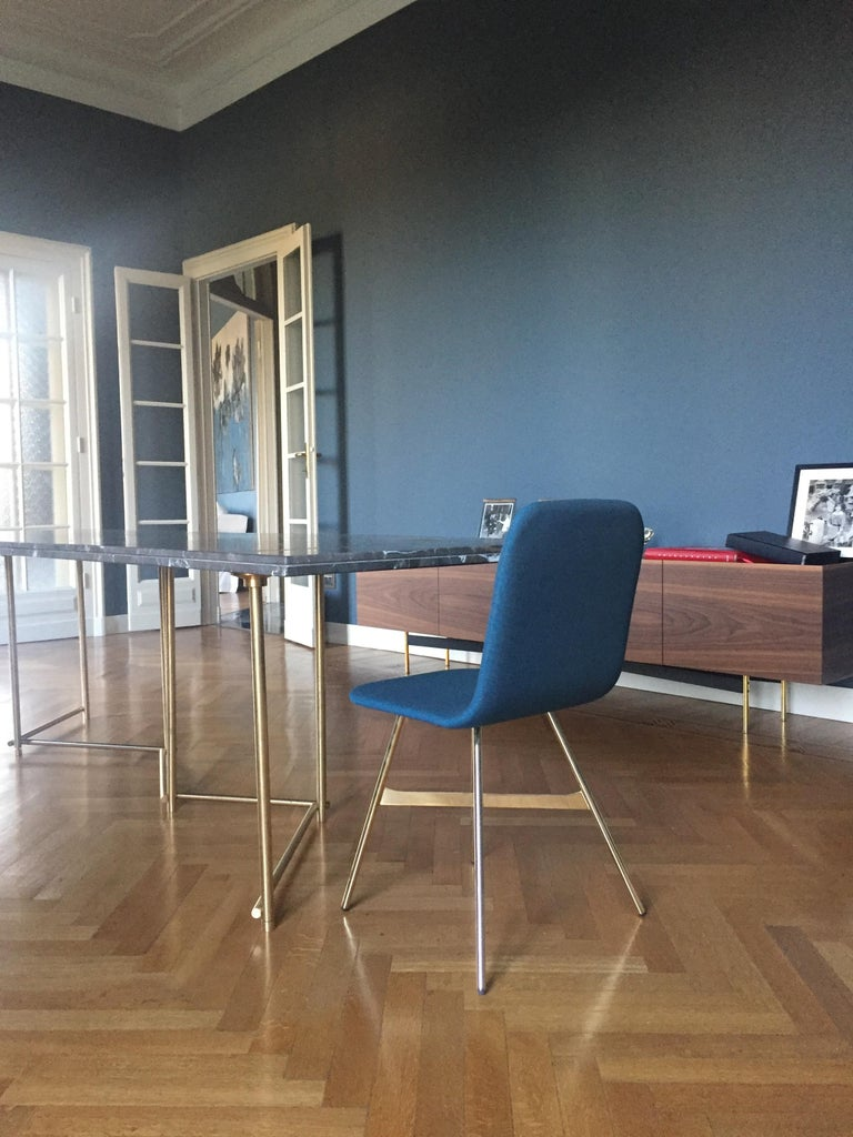 Tria Simple Chair, Golden Legs, Minimalist Design Icon Inspired to Graphic Art In New Condition For Sale In Milan, Lombardy