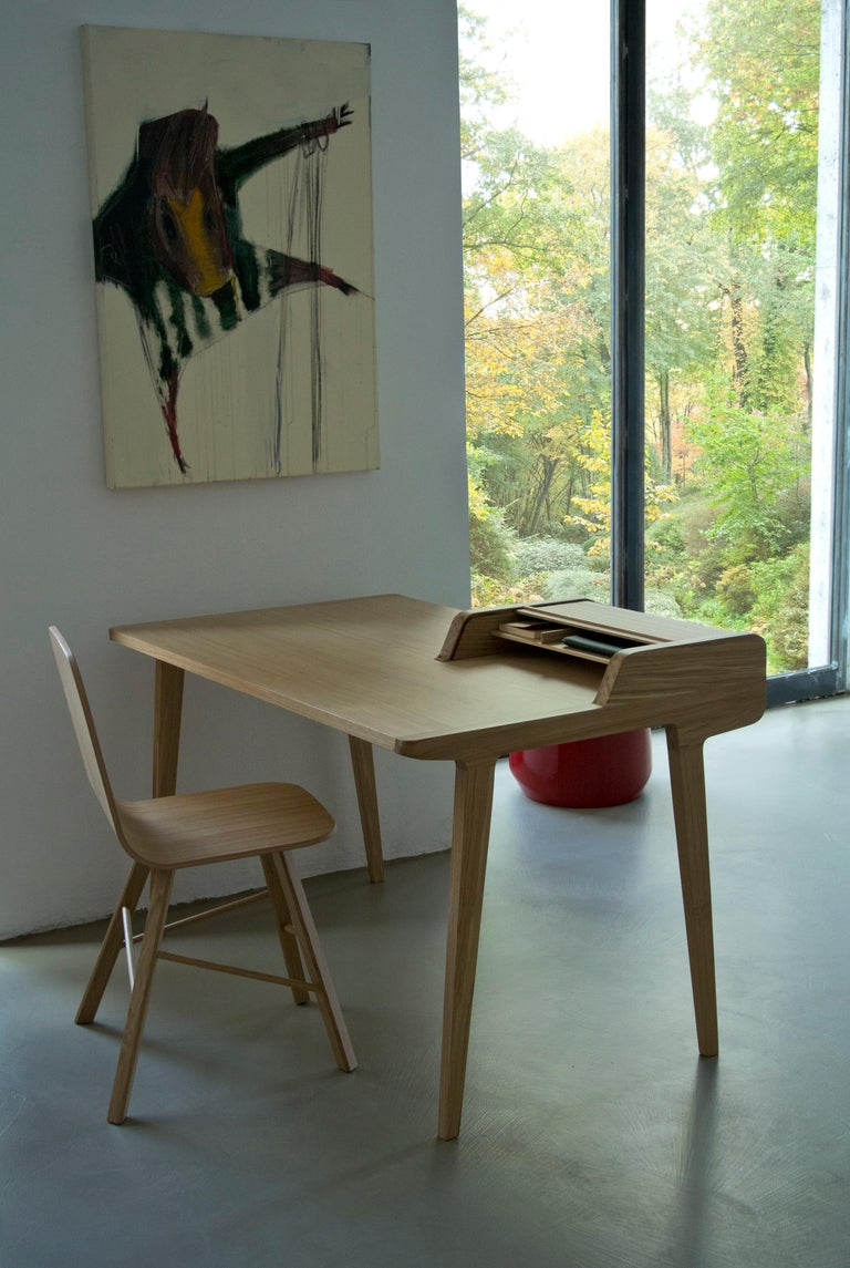 Tria Simple Chair Oak by Colé, Minimalist Design Icon Inspired to Graphic Art For Sale 4