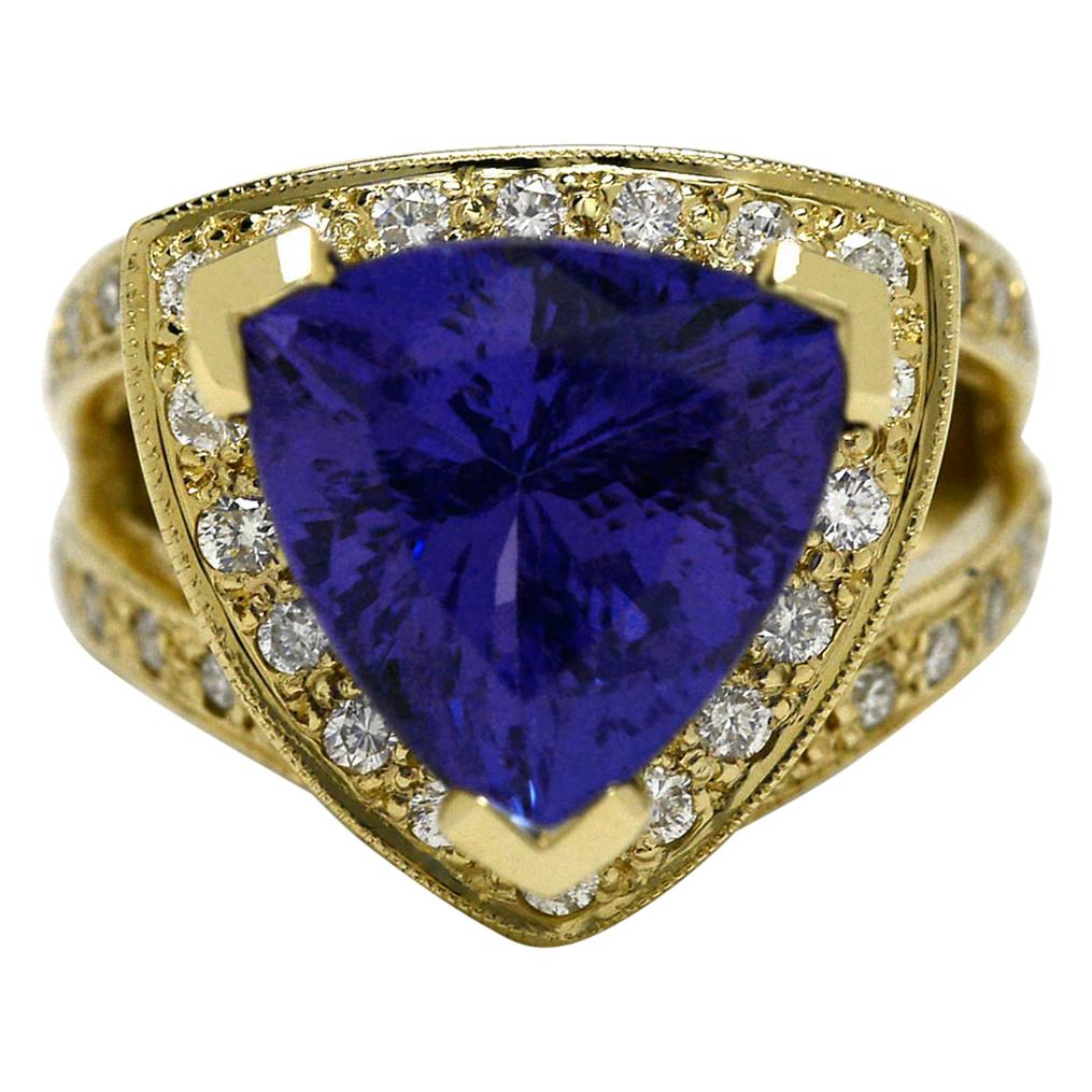 6.25 Carat Tanzanite Cocktail Ring Triangle Yellow Gold Certified Appraisal
