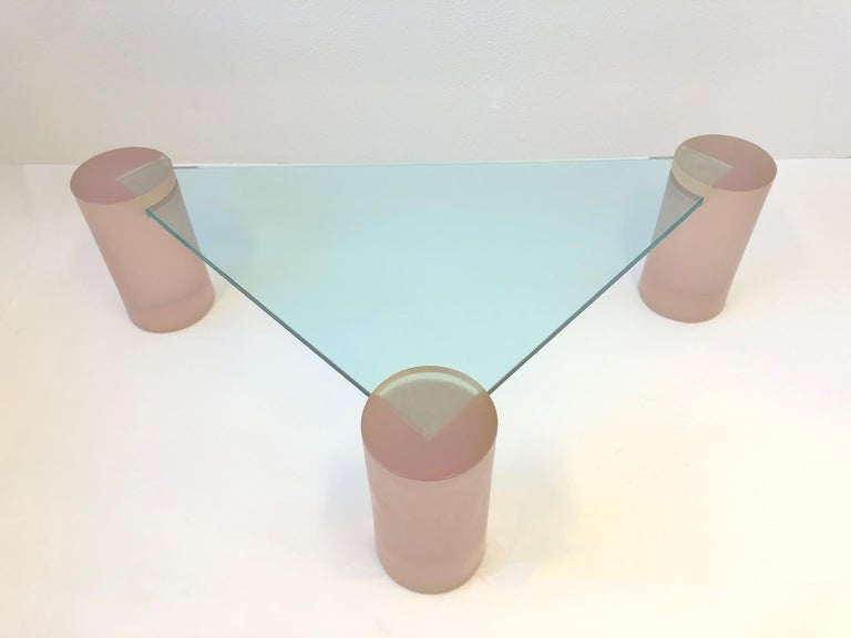 Late 20th Century Triangular Blush Pink Lucite and Glass Cocktail Table For Sale