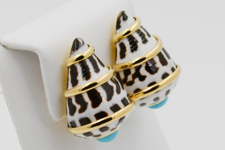 Trianon 18 Karat Yellow Gold Conus Ebraus Shell Turquoise Earrings In New Condition For Sale In Dallas, TX