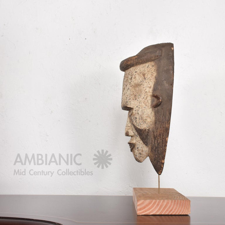 Tribal African Art Ceremonial Fang Mask Sculpture Carved Wood Cameroon, 1960s For Sale 2
