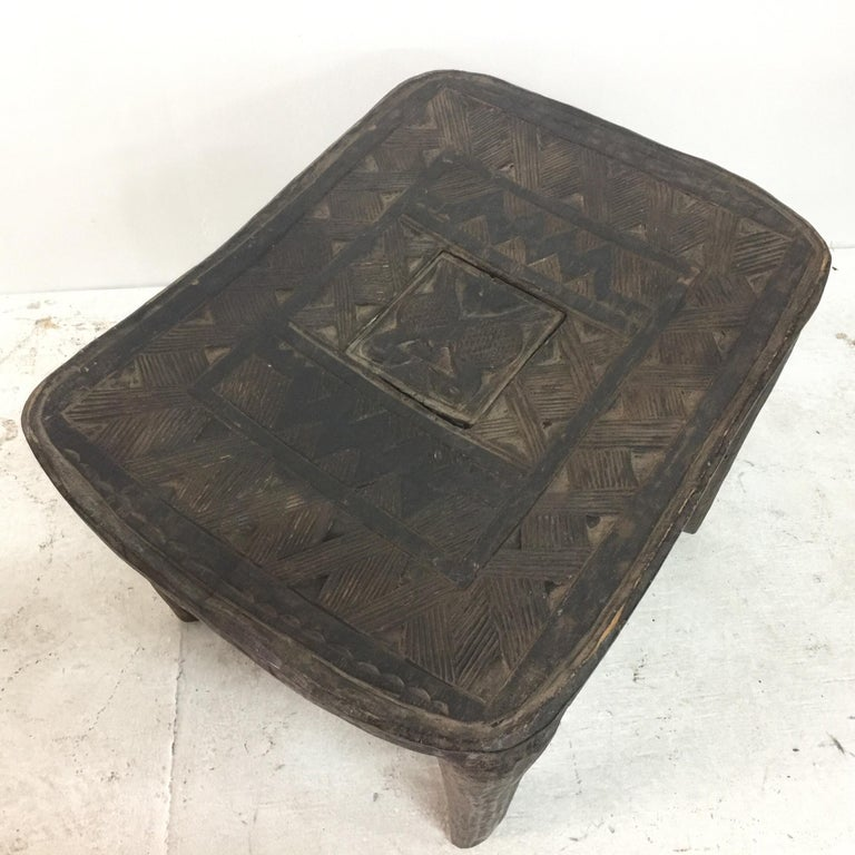 Tribal African Sidetable / Bench with Secret Compartment For Sale 5
