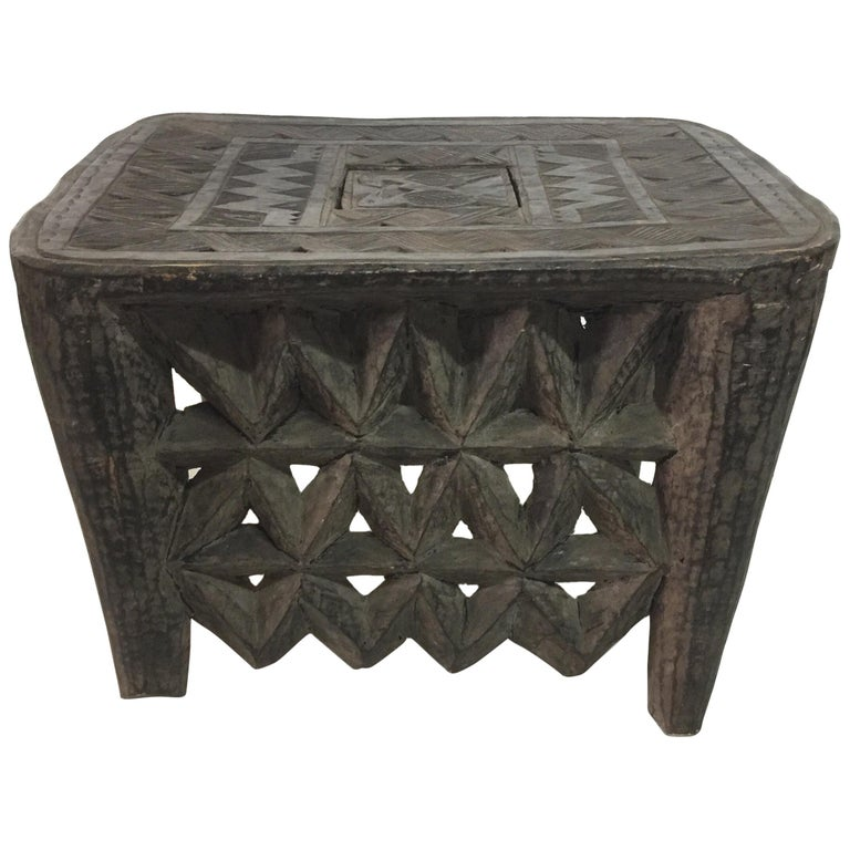 Tribal African Sidetable / Bench with Secret Compartment For Sale