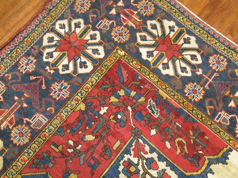 Tribal Antique Bakhtiari Rug In Good Condition For Sale In New York, NY