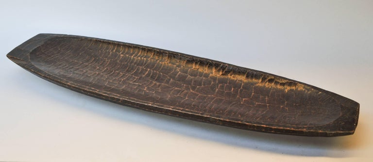 Tribal Hand Hewn Wooden Tray from the Mentawai Islands, Mid-Late 20th Century. In Good Condition For Sale In Point Richmond, CA