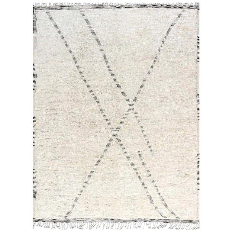 Doris Leslie Blau Collection Tribal Style Modern Moroccan Rug in White and Grey For Sale