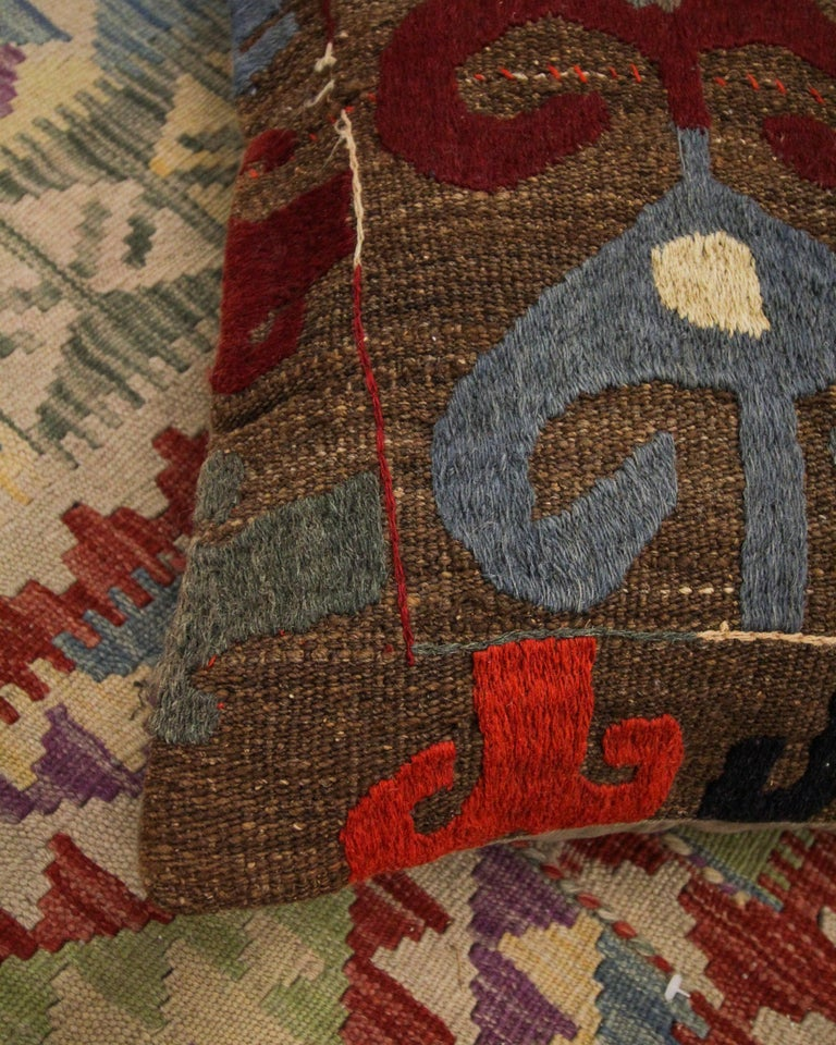 Hand-Crafted Tribal Suzani Cushion Cover Handmade Pillow Case Wool Scatter Cushion For Sale