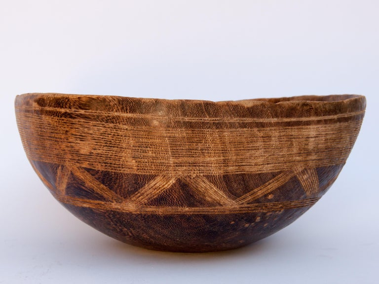 Sahrawi Tribal Wooden Bowl with Carved Design, Tuareg of West Africa, Mid-20th Century For Sale