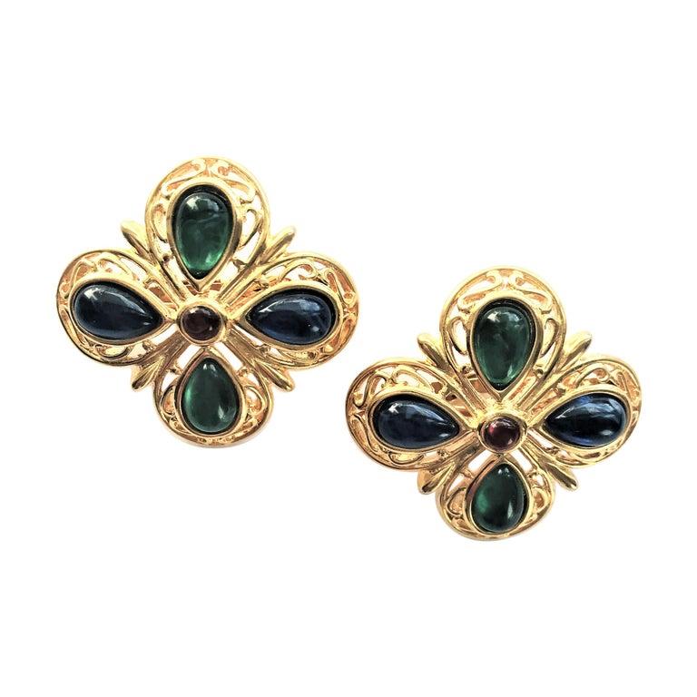 TRIFARI ear clip blue green glass gold plated 1950 USA  For Sale