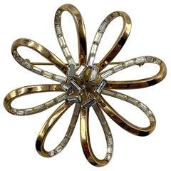 Trifari Gold Flower with Rhinestone Accent 1940s Flower Brooch