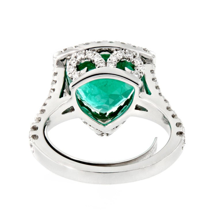 Modern Trillion Cut Emerald Diamond White Gold Cocktail Ring For Sale