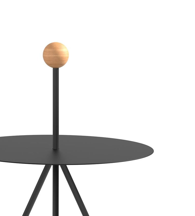 The close relationship between Elisa Ossino and geometry is translated to the Viccarbe collection thanks to a new range of coffee tables.   Trino is born with a sculptural soul and stage vocation, with the inherent elegance of a design capable of
