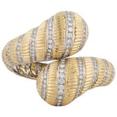Trio 18 Karat Hinged Bangle Bracelet