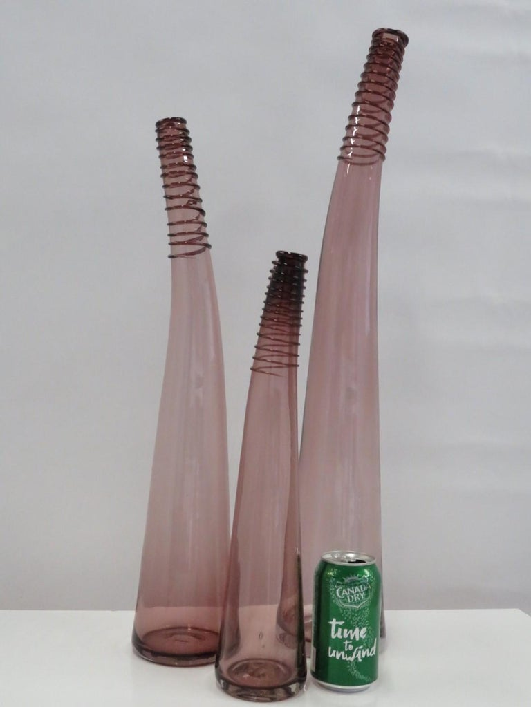 Trio of Don Shepherd Hand Crafted Glass Bent Spiral Neck Vases for Blenko 1988 For Sale 4