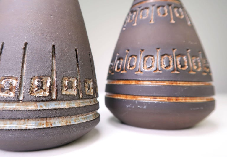 Hand-Crafted Set of Rustic Swedish Modern Ulla Winblad for Alingsås Vases and Bowl, 1960s For Sale