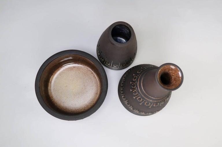 Set of Rustic Swedish Modern Ulla Winblad for Alingsås Vases and Bowl, 1960s In Good Condition For Sale In Copenhagen, DK
