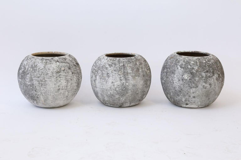 Mid-Century Modern Trio of Vintage Round Ribbed Planters For Sale