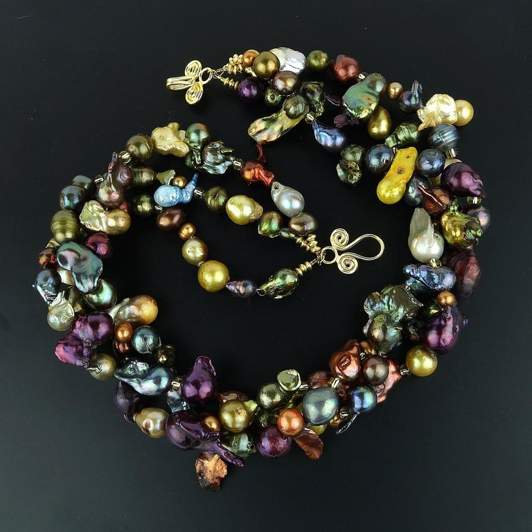 Triple Strand Multi-Color  Pearl Necklace For Sale 1