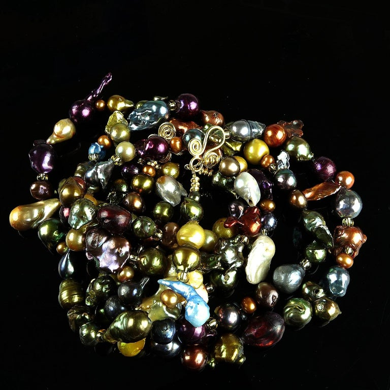 Triple Strand Multi-Color  Pearl Necklace For Sale 3
