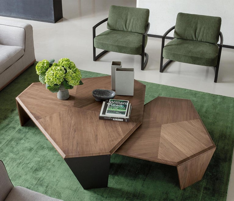 Triple Walnut Set of 2 Coffee Table For Sale 6