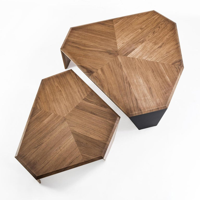 Triple Walnut Set of 2 Coffee Table For Sale 1