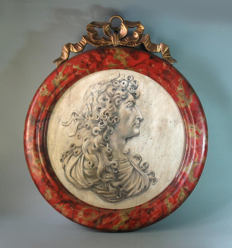 20th Century Trompe-L'oeil Medallion Profile of Louis XIV Represented as Alexander the Great For Sale