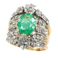 True Eyecatcher Victorian Antique Ring with a 3.50 Carat Ovalcut Emerald