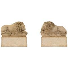 True Pair of Italian 18th Century Louis XVI Period White Carrara Marble Lions