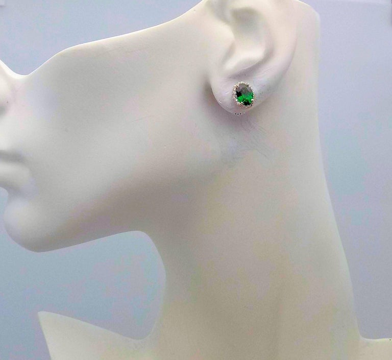 Tsavorite and Diamond Stud Earrings in 14 Karat White Gold In New Condition For Sale In Dallas, TX