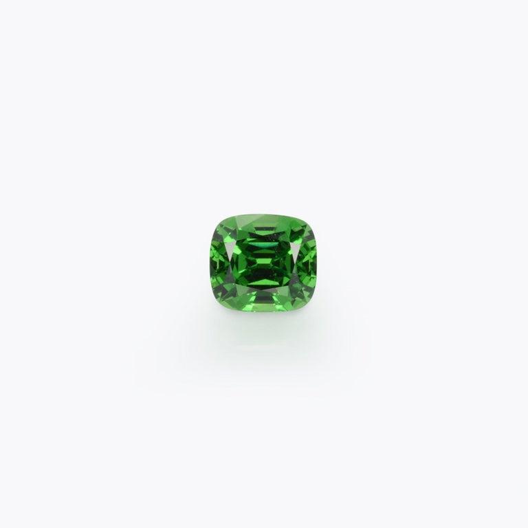Contemporary Tsavorite Ring Gem 3.18 Carat Loose Gemstone For Sale