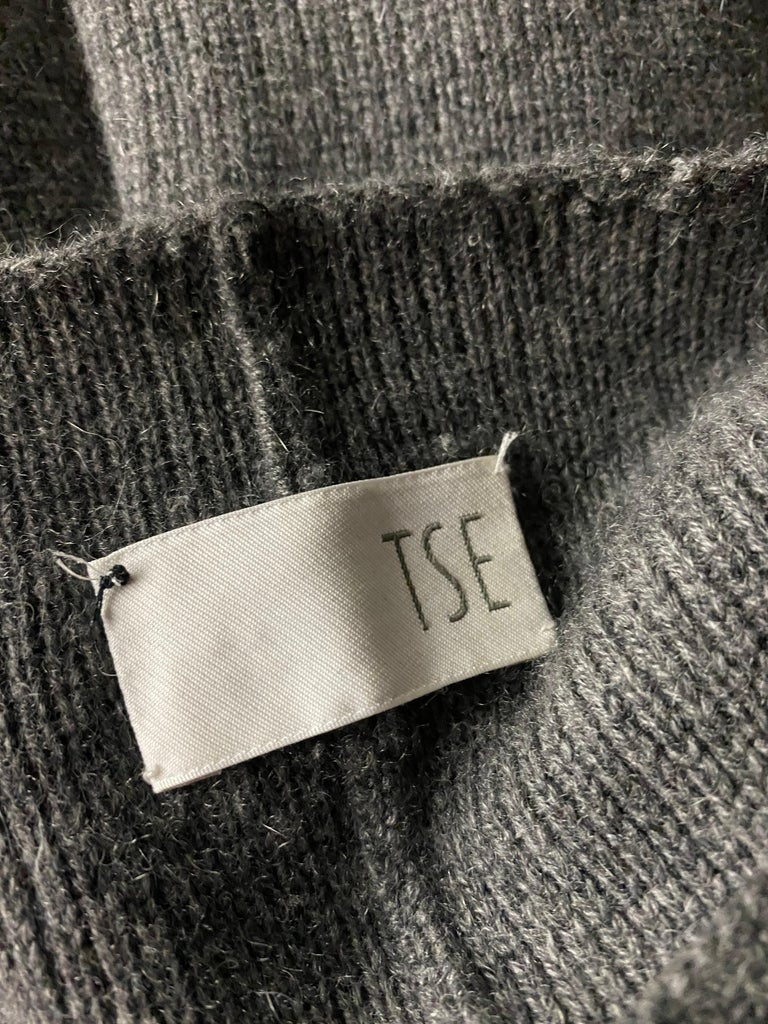 TSE Grey Cashmere Sweater Cardigan Top, Size S/M For Sale 1