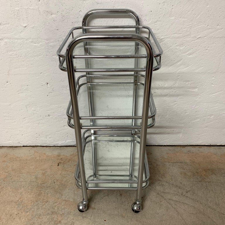 Tubular Chrome Art Deco Style Bar Cart on Castors In Good Condition For Sale In Miami, FL