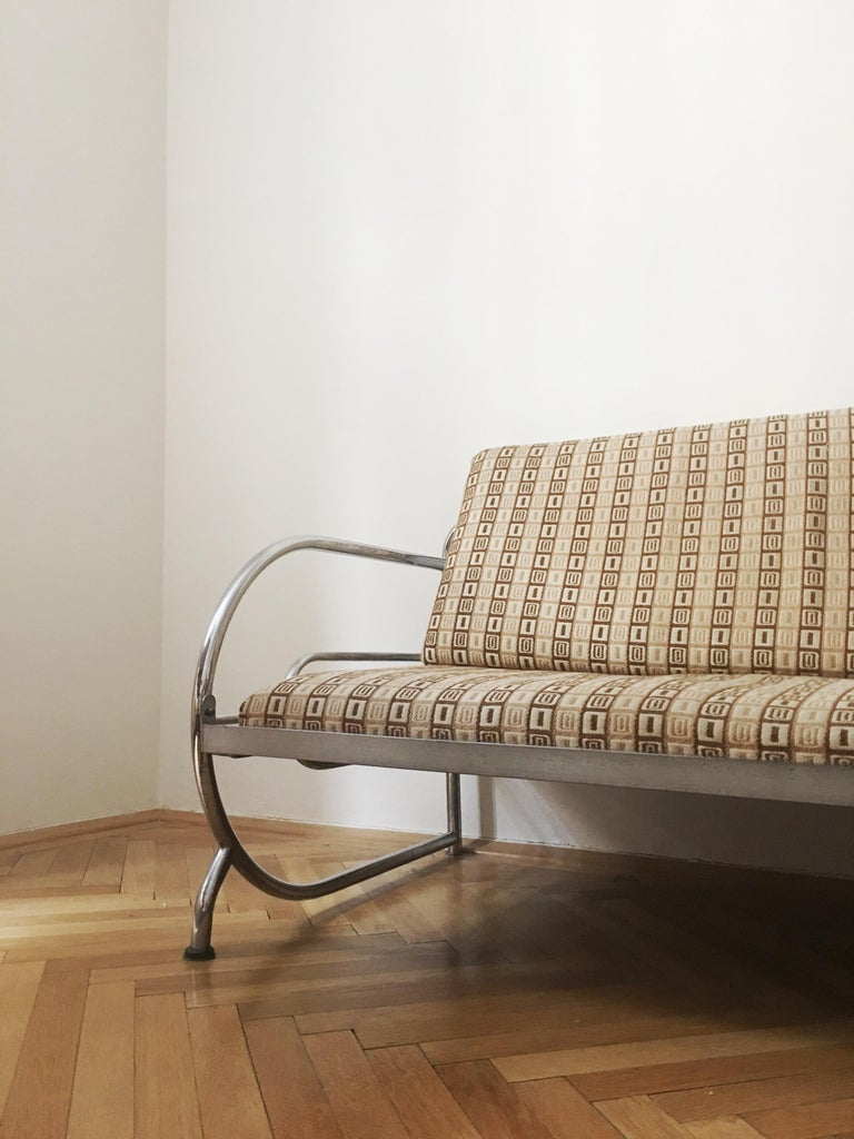 Functionalism tubular steel couch designed by Robert Slezak, Czech Republic, 1930s, tubular steel frame. Dimensions of sofa: L x W x H - 194 cm x 81 cm x 83 cm. We are selling this products with mattress.