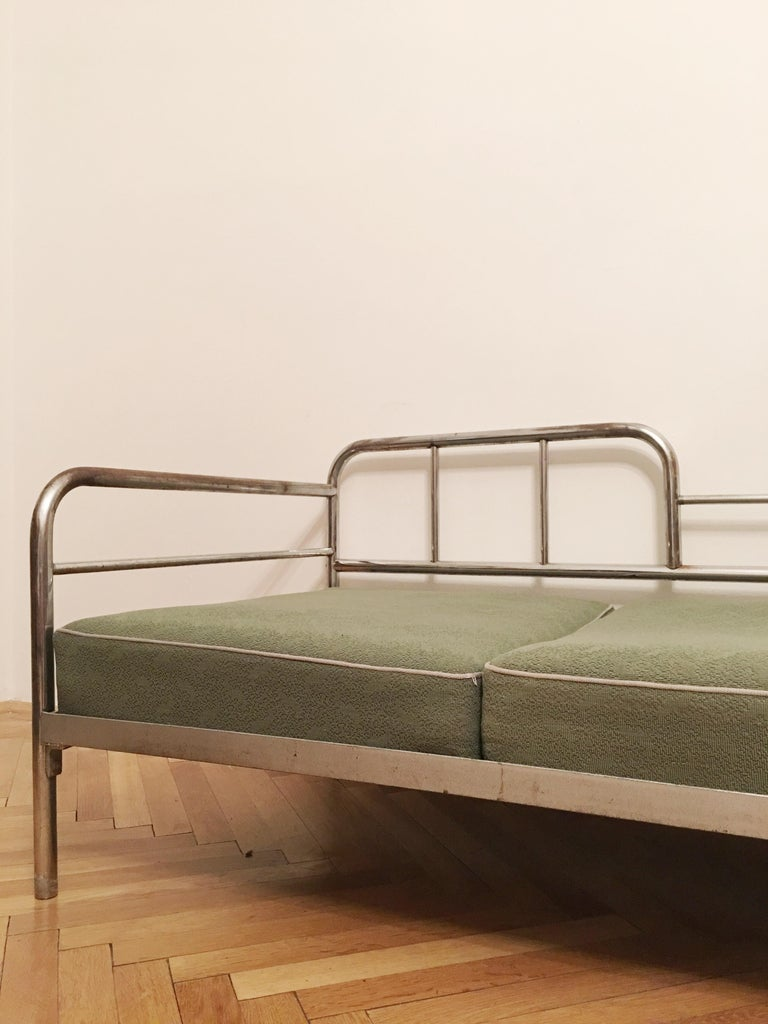 Czech Tubular Steel Couch / Daybed by Robert Slezak, 1930s For Sale