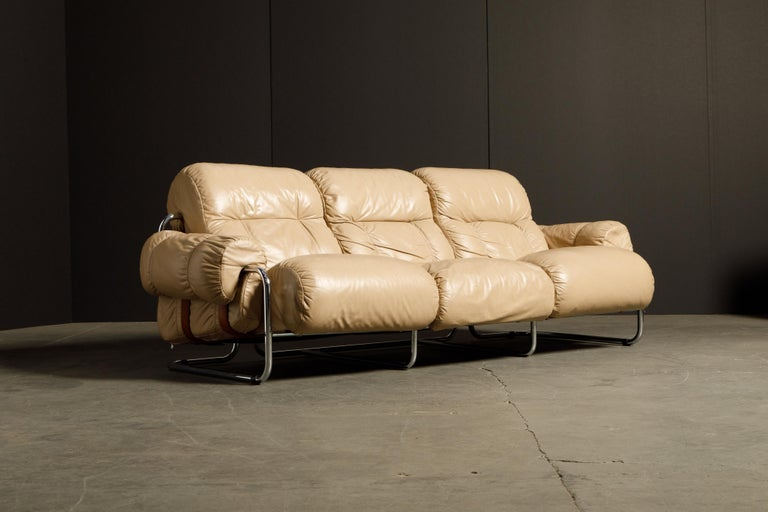 'Tucroma' Leather Sofa and Loveseat by Guido Faleschini for Mariani, 1970s Italy For Sale 4