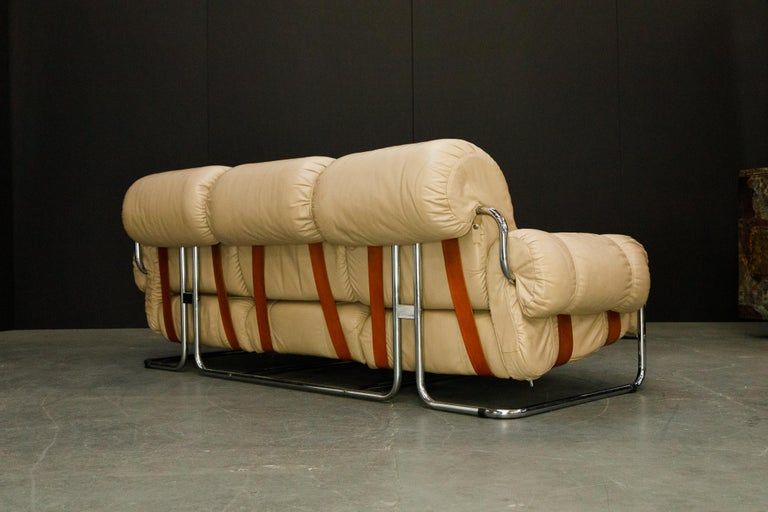 'Tucroma' Leather Sofa and Loveseat by Guido Faleschini for Mariani, 1970s Italy For Sale 6