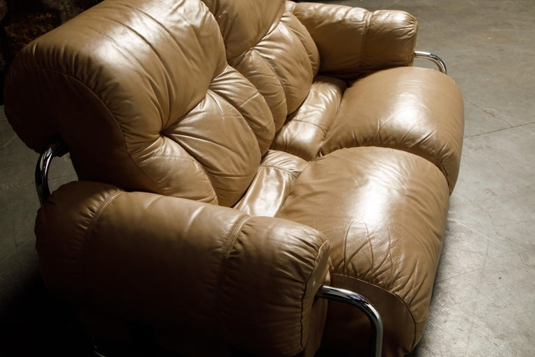 'Tucroma' Leather Sofa and Loveseat by Guido Faleschini for Mariani, 1970s Italy For Sale 11