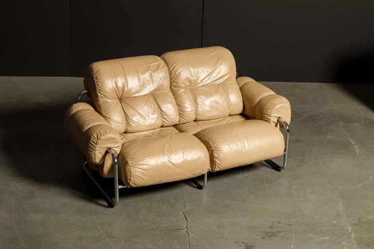 Modern 'Tucroma' Leather Sofa and Loveseat by Guido Faleschini for Mariani, 1970s Italy For Sale